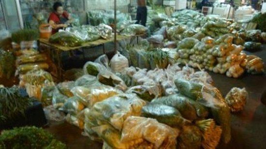 Pak Khlong Talat (Flower Market): Flowers night market