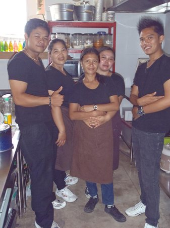 Kreol Kitchen : HAPPY STAFF