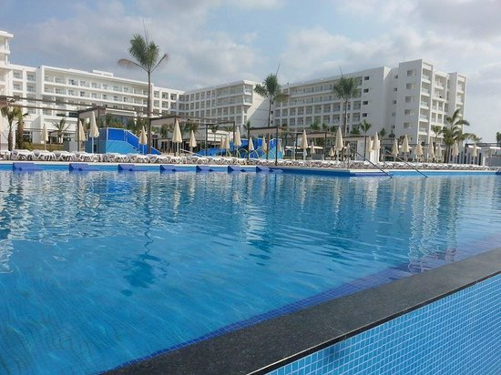 Hotel Riu Playa Blanca: View from the wet bar