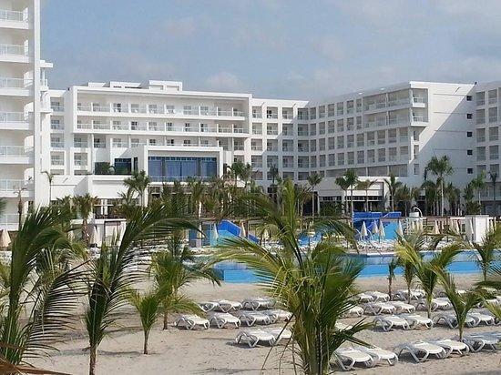 Hotel Riu Playa Blanca: View