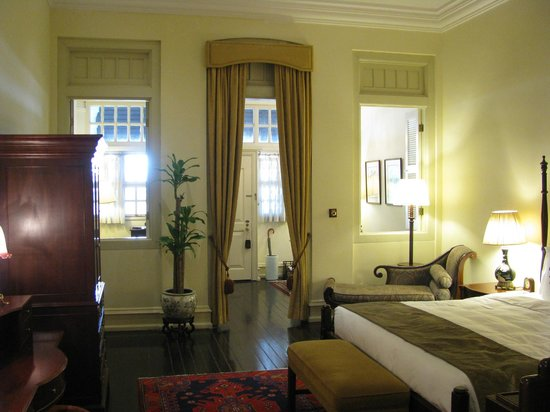 Raffles Hotel Singapore: Bedroom and Parlour, a Writers' Suite