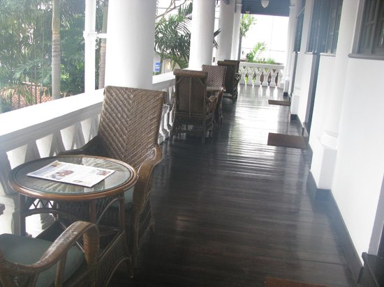 Raffles Hotel Singapore : Terrace and Private Tables, Wrtiers' Suites