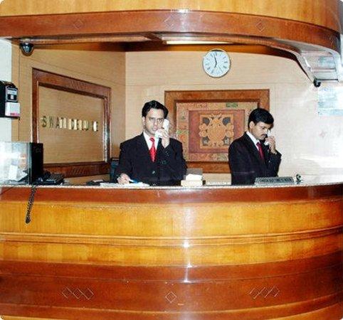 Hotel Swati Deluxe: interior image-exterior