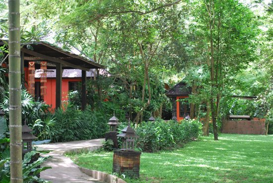 Baan Nam Ping Riverside Village: Look into the Resort