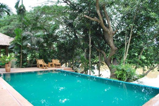 Baan Nam Ping Riverside Village: Pool
