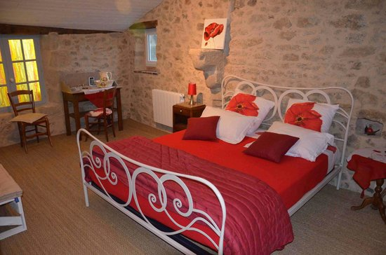 """Chambres d'Hotes Le Plessis Vendee : chambre """"coquelicot"""""""