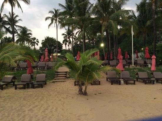 Ramada Khao Lak Resort : view of hotel from beach
