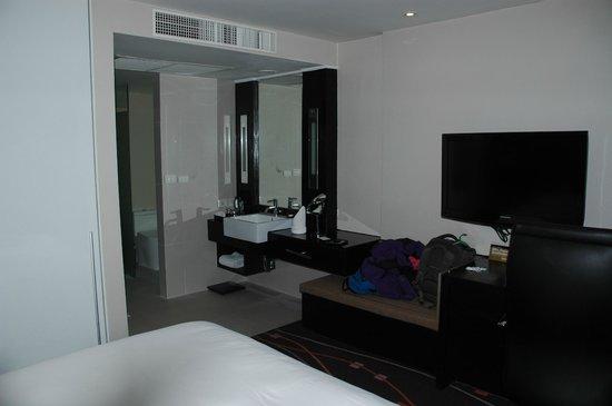 Radisson Suites Bangkok Sukhumvit: Deluxe room
