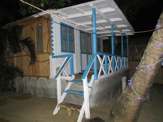 Cafe Blue Hotel : AC sea front cottage