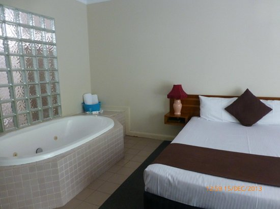Country Comfort Coffs Harbour: The Executive Spa Room