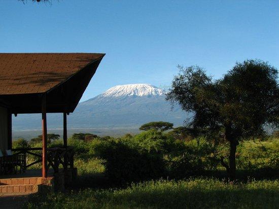 Amboseli Sopa Lodge: территория отеля