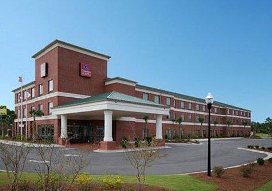 Holiday Inn Express Leland-Wilmington Area: Exterior