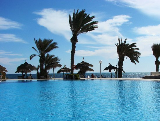 El Mouradi Djerba Menzel : pool with beach