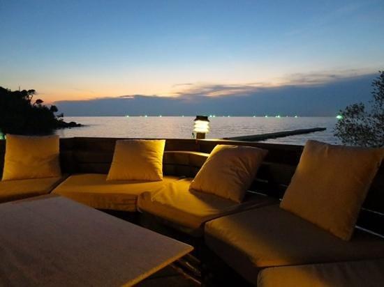 Paradee Resort & Spa Hotel: Bar