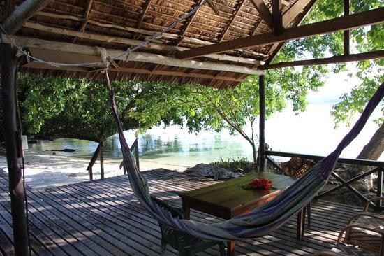 Uepi Island Resort : Uepi - Cabin 2 - Deck