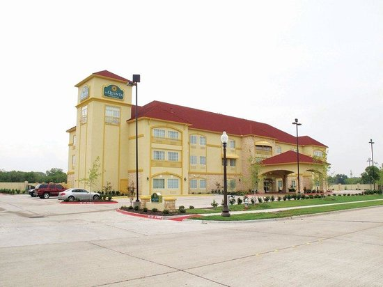 Photo of La Quinta Inn & Suites Ennis