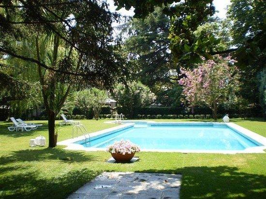 Giardino con piscina foto di blue dream hotel monselice - Giardino con piscina ...