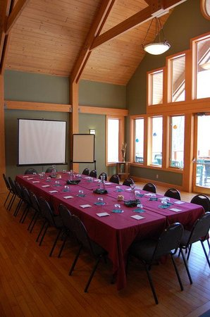 Minnewaska Lodge : Boardroom