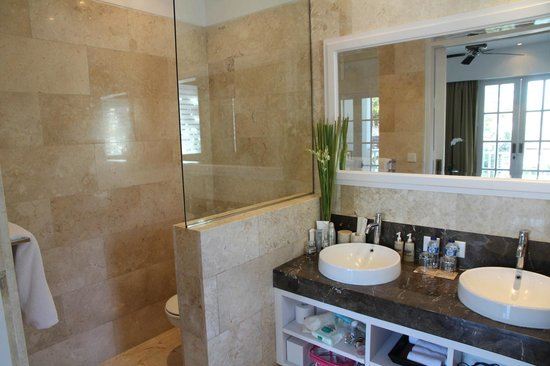 The Colony Hotel Bali: Bathroom Room # 12.