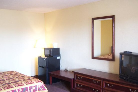 Budgetel Inn and Suites : Other Hotel Services/Amenities