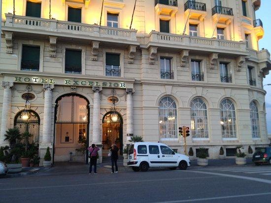 Eurostars Hotel Excelsior : 外観