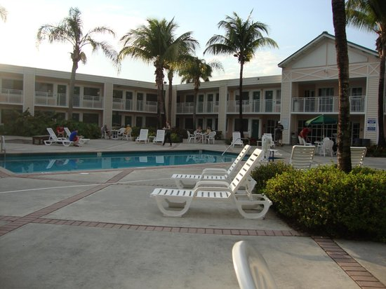 Best Western Gateway To The Keys : Poolside