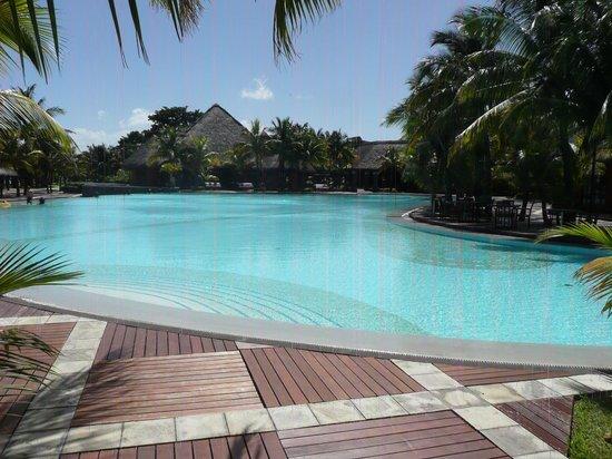 Beachcomber Dinarobin Hotel Golf & Spa : Piscine principale