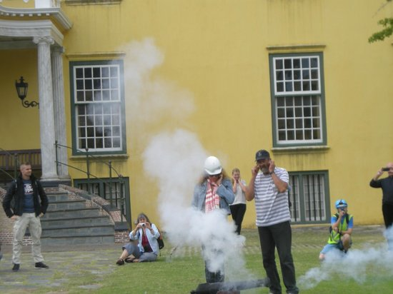 Castle of Good Hope: Gun fire at noon