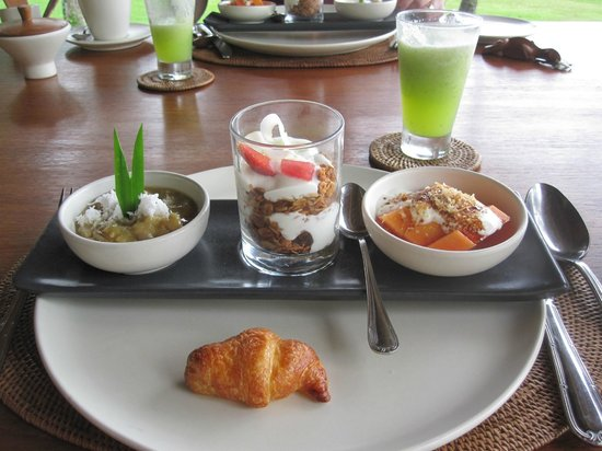 Alila Manggis : The Chefs set breakfast - starter
