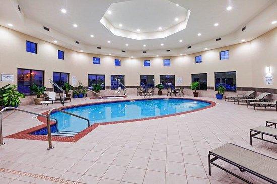 Holiday Inn Express & Suites Duncan: Indoor Salt Water Swimming Pool