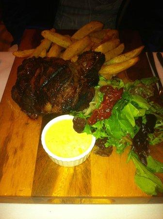 Bistro Niagara: Steak and Fries