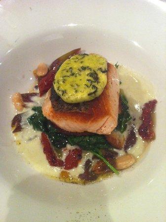 Bistro Niagara: Salmon Dish