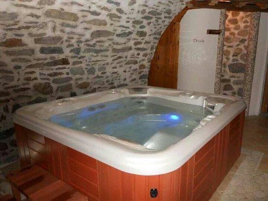 Residence Ca' Delle Margherite : Vasca idromassaggio