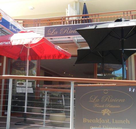 La Riviera Bistro: Shop Front