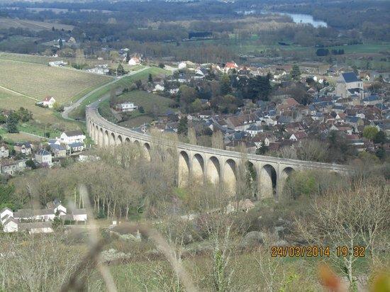 Paris Wine Day Tours: An Aqueduct