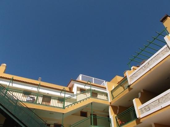 Caleta Garden: clear blue sky
