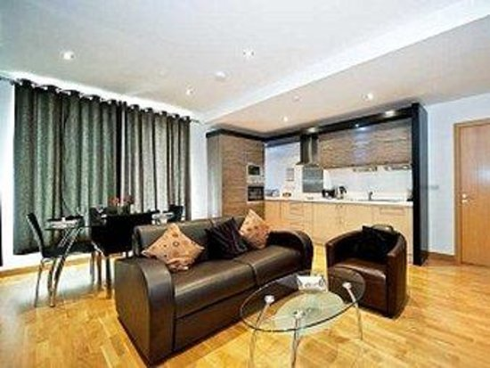 Staycity Aparthotels West End: One Bedroom Lounge