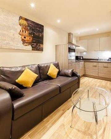 Staycity Aparthotels West End: Kitchen Lounge