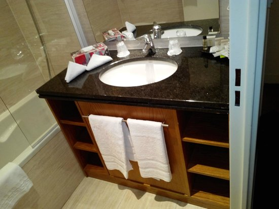 Hotel Restaurant Auberge de Conde : Ванная комната