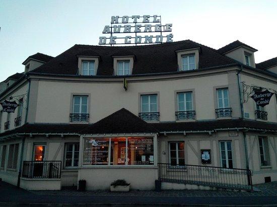 Hotel Restaurant Auberge de Conde : Фасад отеля