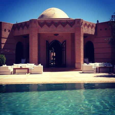 Villa Al Assala Palmeraie: Poolside