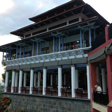Amaya Hills Kandy: Lobby et boutiques
