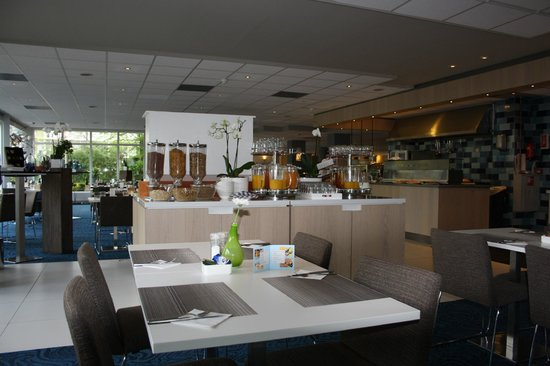 Novotel Maastricht: breakfast room