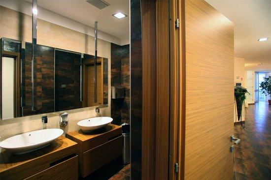Hotel Sciali: Bagno hall