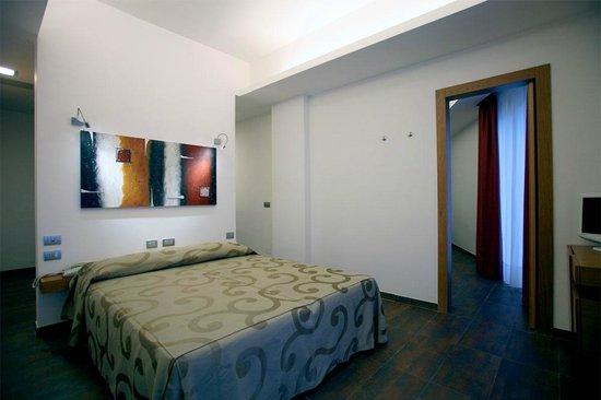 Hotel Sciali: Quadrupla comunicante