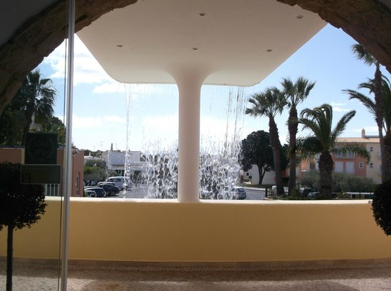 Four Seasons Vilamoura: Looking out from reception