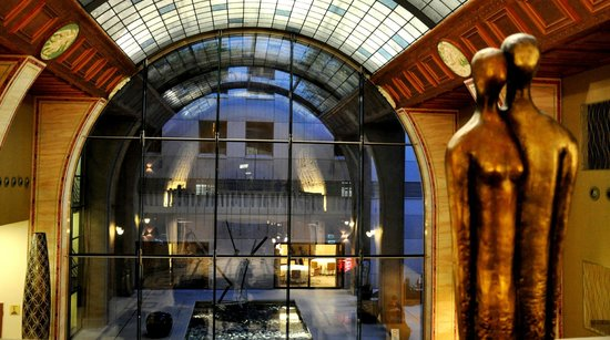 Continental Hotel Budapest: Reception area