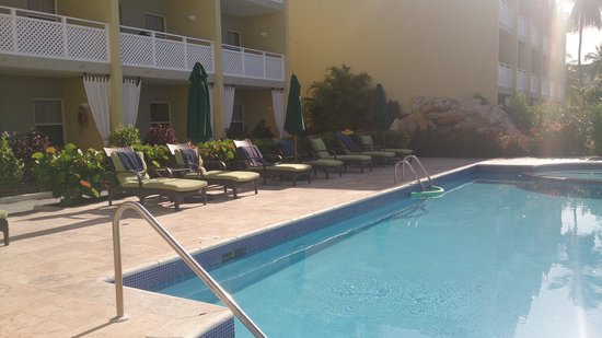 Sea Breeze Beach House: pool no.2 - where kids can go