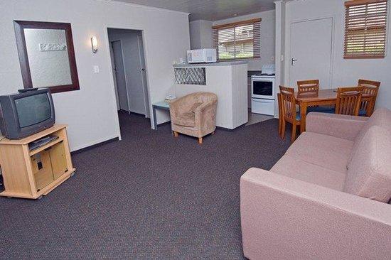Courtney Motel: 1 Bedroom Lounge