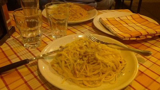 Osteria della Vite: Spaghettone alla carbonara